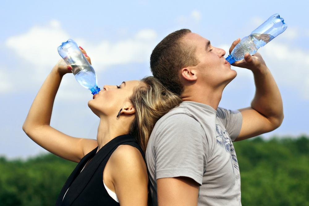 Resultado de imagem para bebendo água imagem